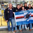 I componenti del Dennis Praet fan club on tour al Sampdoria Point.