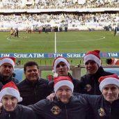 I componenti del Dennis Praet fan club on tour allo stadio Luigi Ferraris di Genova.