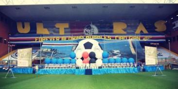 La gradinata Sud durante la presentazione della squadra 2005/2006
