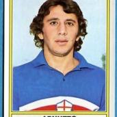 Domenico Arnuzzo (Genova, 6 maggio 1947) – Bandiera blucerchiata con 110 presenze ed una rete in Serie A e 86 presenze in Serie B. Ha giocato nella Samp dal 1967 al 1981 fatta eccezione per le due parentesi con Reggiana e Savona. Totale: 196 presenze, 1 gol