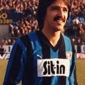 Enrico Vella (Genova, 18 settembre 1957) - Centrocampista cresciuto nel Genoa, gioca alla Sampdoria una sola stagione, nel 1980/1981 in Serie B. Totale: 29 presenze, 0 gol